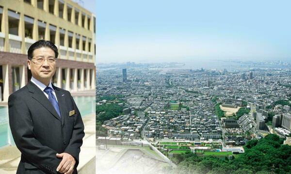 総支配人の鉢田さんと神戸の眺望